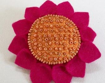 Handmade bright sunflower beaded brooch. Individual handmade item. Mother's Day gift. Birthdays, anniversary, Christmas gift.