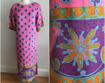 Vintage 1970s Malihini Designer Hawaiian Maxi Dress Caftan Flourescent Pink S M
