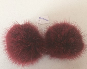 Burgundy  Mink pompom clips, a pair of mink pompoms suitable to clip them in shoes, shirts and more.