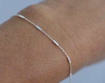 Dainty Satellite chain bracelet. Sterling Silver satellite chain bracelet. Delicate bracelet. Simple chain bracelet. Layering bracelet