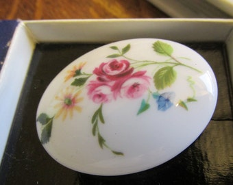 Gorgeous Vintage Crown Staffordshire Hand painted Ceramic floral brooch.