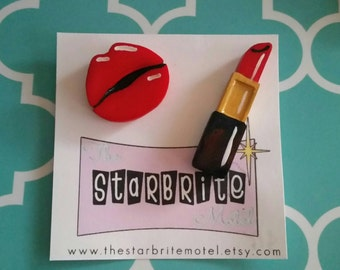 Lipstick & lips brooch set