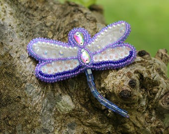 Lavender dragonfly brooch pin embroidered  handmade/mothers gift/beads/embroidered brooch pin/embroidered jewerly spring style 2017