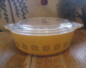 Vintage Pyrex Town and Country 1 Pint Casserole Dish With Lid #471