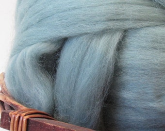 Dyed Corriedale Wool Top Roving Natural Spinning & Felting Fiber / 1oz - Teal
