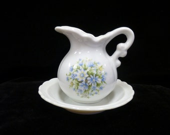 Vintage Miniature Pitcher and Basin