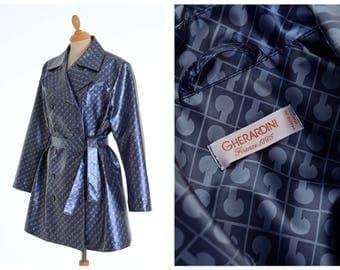 GHERARDINI Vintage 1980s blue logo print mini trench coat - size S/M