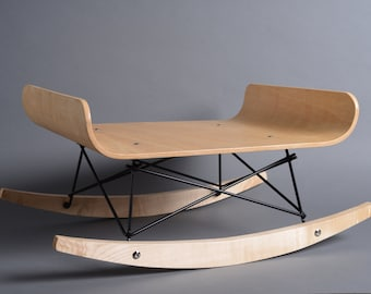Rocking chair for cats by HolinDesign