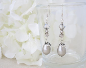 Platinum pearl teardrop bridal earring, Swarovski crystal and pearl dangle earring, Unique beaded wedding earring