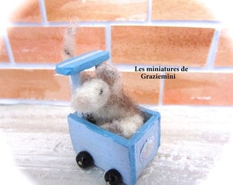 Miniature trolley + felted mini mouse -scale 1:12-Dollhouses miniatures