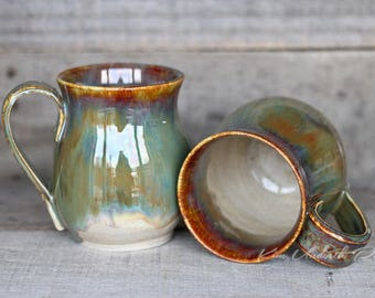 Autumn delight belly Mugs