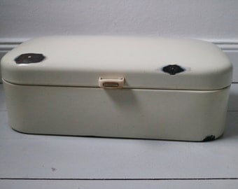 vintage countrystyle enamel bread bin