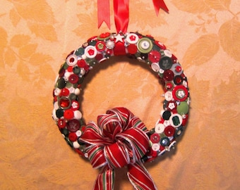 Christmas Button Red Green White Wreath Yuletide Holiday
