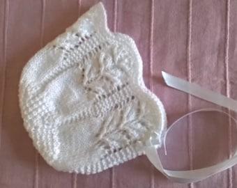 Christening bonnet / white lace bonnet / baby bonnet / white baby bonnet / baptism bonnet / white baby bonnet / baby girl bonnet