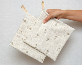 Linen Potholders Pot Holders Cooking gifts under 20 Trivet Hotpad Kitchen decor beige Oven Hot Pads Cooking pot Linen Fabric with flowers