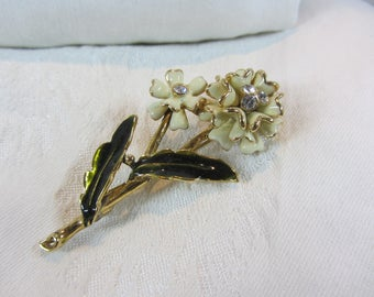 Vintage Monet White Flower Enamel and Gold Tone Brooch