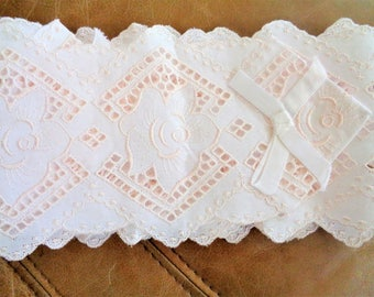 Lace Ribbon, Lace Trim Applique, Embellishment Design, 1 Piece 1.75 yards/ 160cm