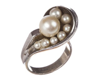Retro Futuristic Sterling Silver Cultured Pearl Ring