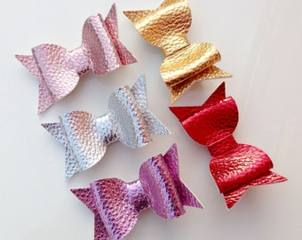 Metallic leatherette hair bow clips / alligator clips - 2 sizes