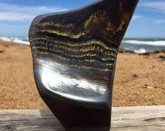Tiger iron, polished 585g.