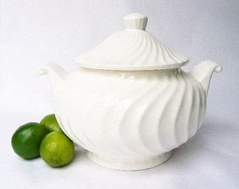 """White Soup Stew Tureen Ceramic Larger Size Serving Bowl Toureen - Swirly Design Pattern Bowl / Lid - Knob Top - Curved Side Handles 10"""" x 8"""""""