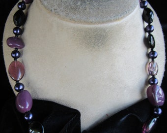 Vintage Shades Of Purple & Black Glass Stone Necklace