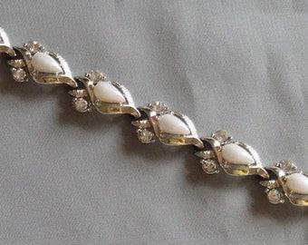 SALE - Vintage AMERIQUE Pearl Cabochon & Clear Crystal Rhinestone Bracelet