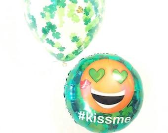 kiss me emoji balloon. St Patrick's day balloons. Shamrock balloon. kiss me i'm irish. St patrick's day decor. Shamrock decor. Irish balloon