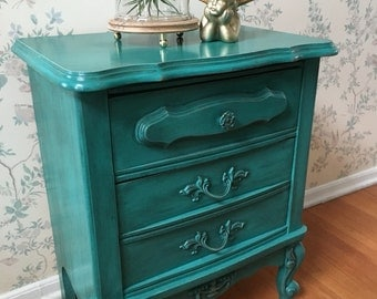 Nightstand,Accent Table,Upcycled Furniture,Painted Furniture,Distressed  Furniture