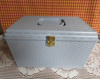 Wilson VINTAGE Couture Blue plastic chest / VTG Sewing Basket With 2 Compartment / VTG Blue basketball Sewing / sewing storage