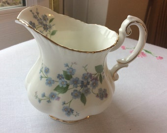 Paragon Forget Me Not Vintage Milk Jug Creamer Tea ware Afternoon Tea
