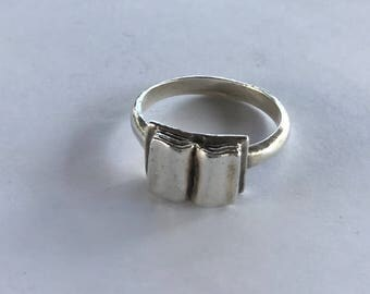 Vintage Sterling Silver Book Ring