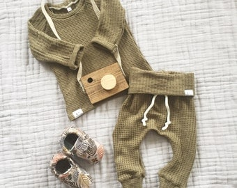 Baby green waffle knit outfit, baby boy clothes, gender neutral baby clothes, baby girl outfit.
