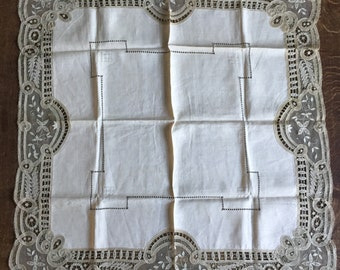 Sublime antique tape lace tablecloth handmade embroidered needlework precious fine linen collectable Edwardian Paris bourgeoise home decor l