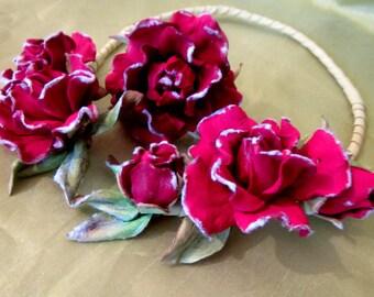 Roses Necklace, Leather Necklace bracelet set, Roses Necklace leather, Red flowers necklace leather bracelet, Jewelry set leather.