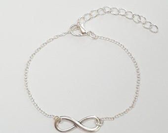 Silver Plated Infinity Bracelet. Silver Bracelet. Single chain, 1mm chain links. Eternal Love, Friendship, Gift for her. Gift under 15.