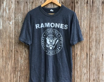 Vintage 90's RAMONES Punk Rock Band T-shirt