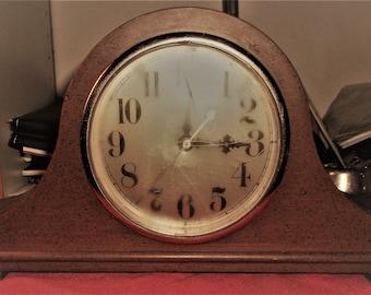 Vintage Spartus Mantel Clock