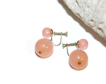 Coral Pink Screw Back Earrings from Japan, Stamped Japan, Beaded Earrings, Japanese Beaded Earrings for Her, Retro Jewelry, Retro Fashion