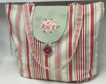 Handmade shoulder handbag