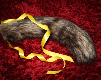 Luxury Wolf tail brown with black flecks - Supersoft