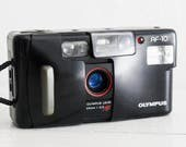 Olympus AF-10 - functional vintage 35 mm film analog point&shoot, great condition japanese compact camera with flash + original handstrap!