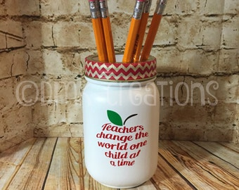 Teacher Apple  Painted Mason Jar Pencil  Holder, painted mason jar, pencil holder, teacher gift, mason jar, pencils, gift for teacher, apple