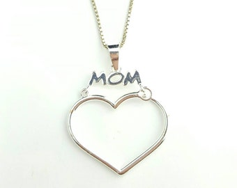 "Vintage Sterling Silver ""Mom"" Dangle Heart Necklace- 18 Inch Thin Box Chain"