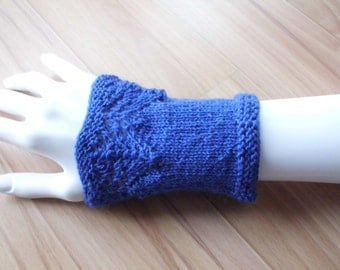 short wrist warmers with pattern, blue, tights