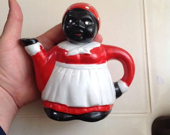 Black maid teapot, teapot for two