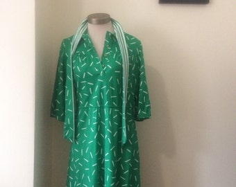 1970's vintage Green and white collared secretary dress-size medium