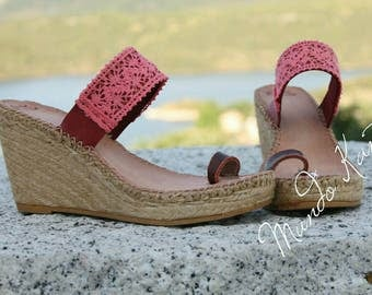 "High wedges of jute with two strips, espadrille with lace, cots with free heel, espadrille without heel coral color. Model ""carolina"""