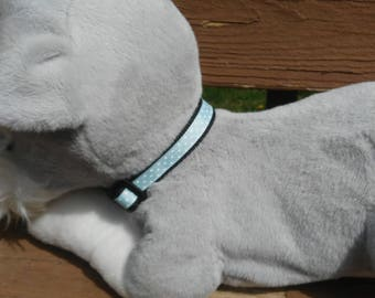 Baby blue polka dot collar