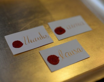 calligraphy place cards, personalized place cards, customized place cards, calligraphy, calligraphy style, table decor, wedding décor